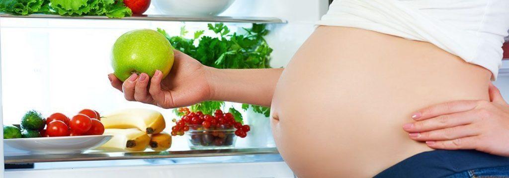 Heißhungerattacken während der Schwangerschaft und gesunde Alternativen