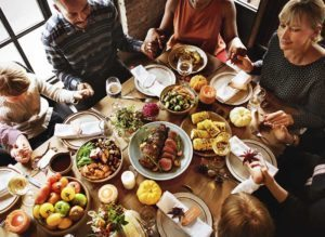 A Pregnancy Guide to Safe Holiday Eating