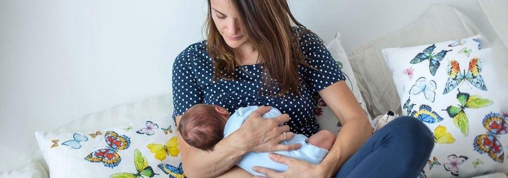 Wie Sie Ihr Baby im ersten Jahr stillen 2