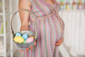 Zwölf entzückende Ostern / Frühling Schwangerschafts Ankündigungs Ideen 1
