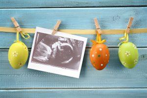 Zwölf entzückende Ostern / Frühling Schwangerschafts Ankündigungs Ideen 2