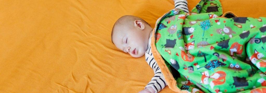 Selbstgemachte Babydecken ohne Nähen