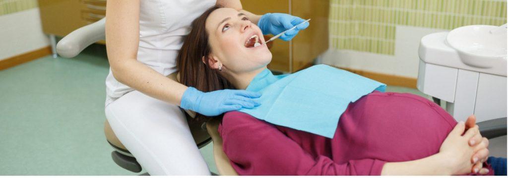 Schwangerschaftshormone können zu Parodontitis führen