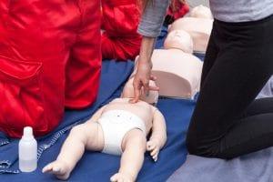 Erste-Hilfe-Maßnahmen, die alle neuen Eltern kennen sollten 1