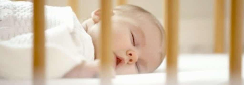 Ein sicherer Schlafplatz für Ihr Baby: Was Sie beachten müssen