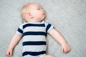 Ein sicherer Schlafplatz für Ihr Kleines: was Sie beachten müssen