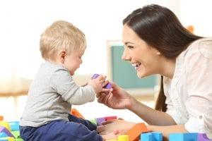 Kinderbetreuungsmöglichkeiten während des ersten Jahres Ihres Babys