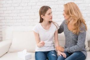 Probleme und Schwierigkeiten bei Teenagerschwangerschaften