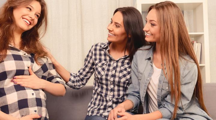 Freundschaften während der Schwangerschaft zur Priorität machen