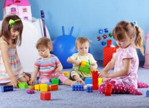 Klassische Spiele für die Entwicklung und Unterhaltung von Babys 1