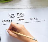 Ein gesunder Ernährungsplan nach der Geburt und während der Stillzeit