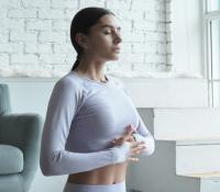 Atemübungen für den Bauch zur Erholung nach einer Rektusdiastase